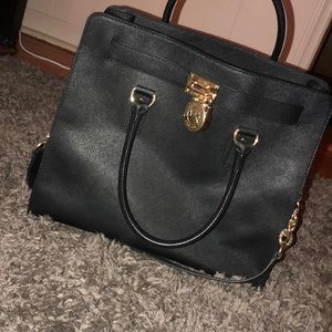 💥•NWOT Authentic MICHAEL KORS HAMILTON PURSE•💥